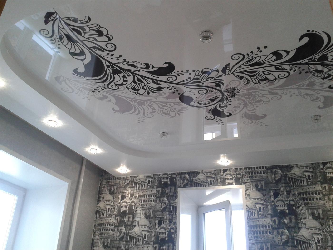 Натяжные потолки черно белый рисунок